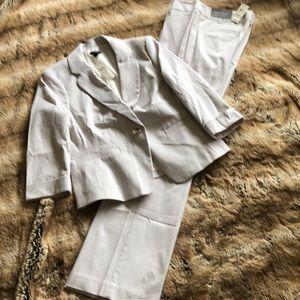 Ann Taylor 2-pc Summer weight Pantsuit